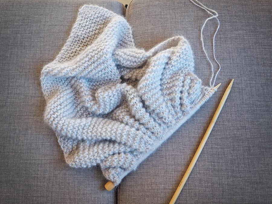 Étonnant Quel Point Pour Tricoter Une Écharpe un châle doudou en angora - saxe