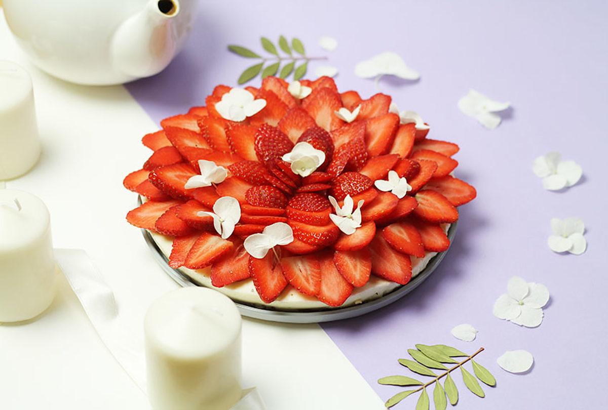 Cheesecake sans gluten aux fraises et à la fleur d'oranger - Cuisine - Le journal de Saxe x Miss Blemish