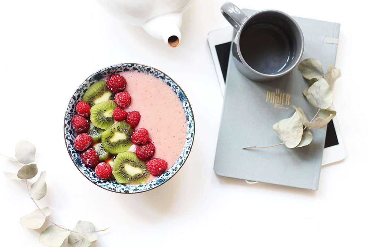 Smoothie bowl framboise melon fleur d'oranger - Le journal de Saxe x Miss Blemish