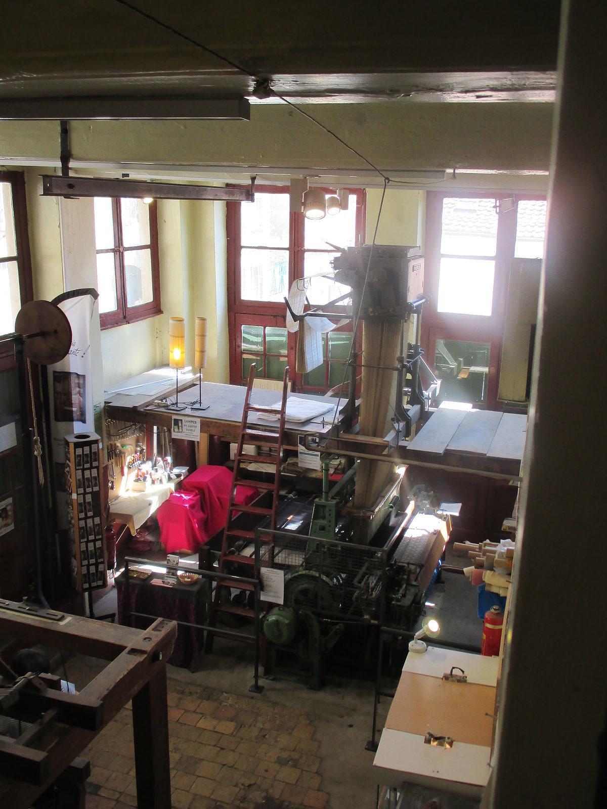 Vue d'ensemble de l'atelier de tissage