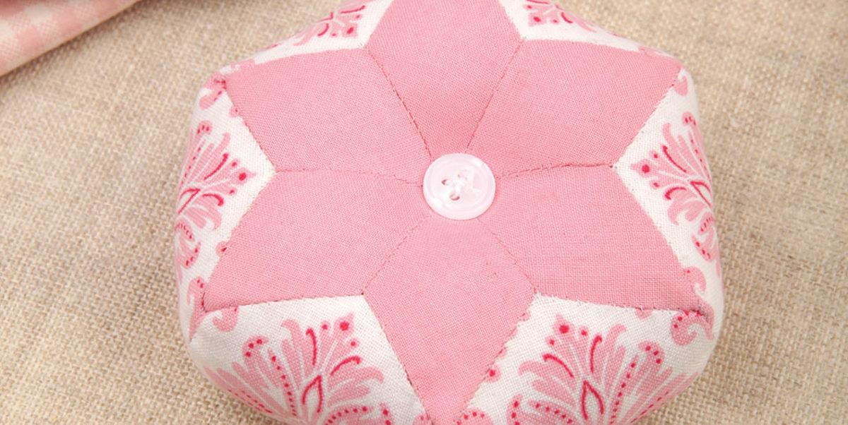 Tuto d'English Paper Piecing : 1 pelote à épingles en patchwork
