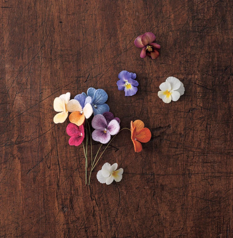 JALI251 stumpwork broderie fleurs 3D violette