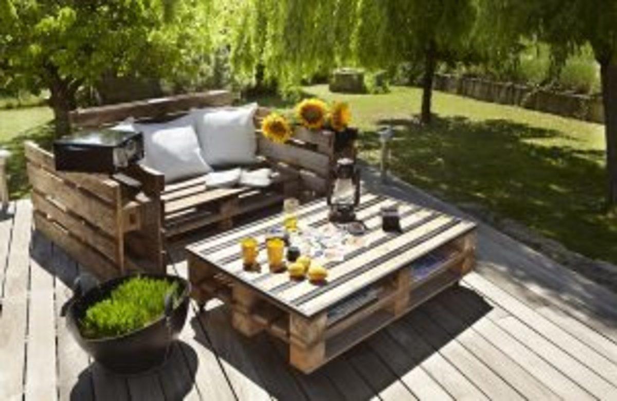 La palette de bois : une idée DIY pour des meubles uniques