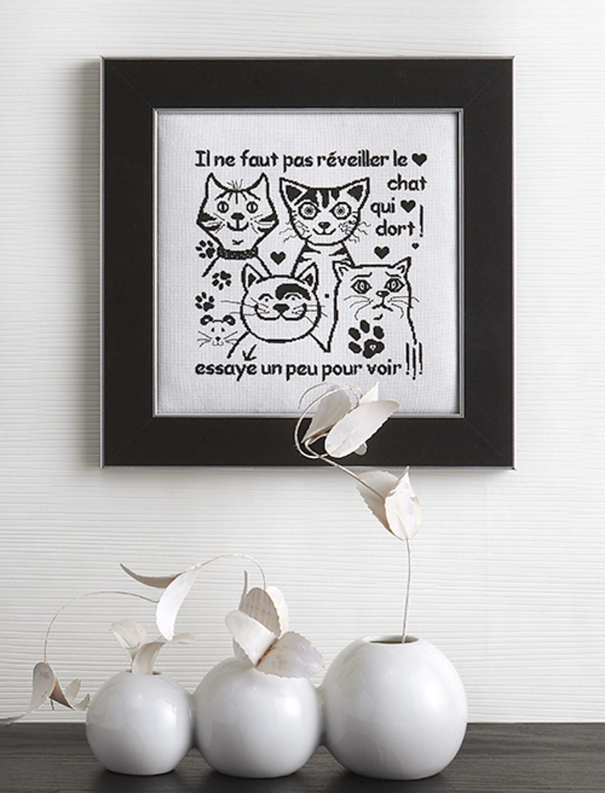 MLAB270-broderie-chats-noir-et-blanc