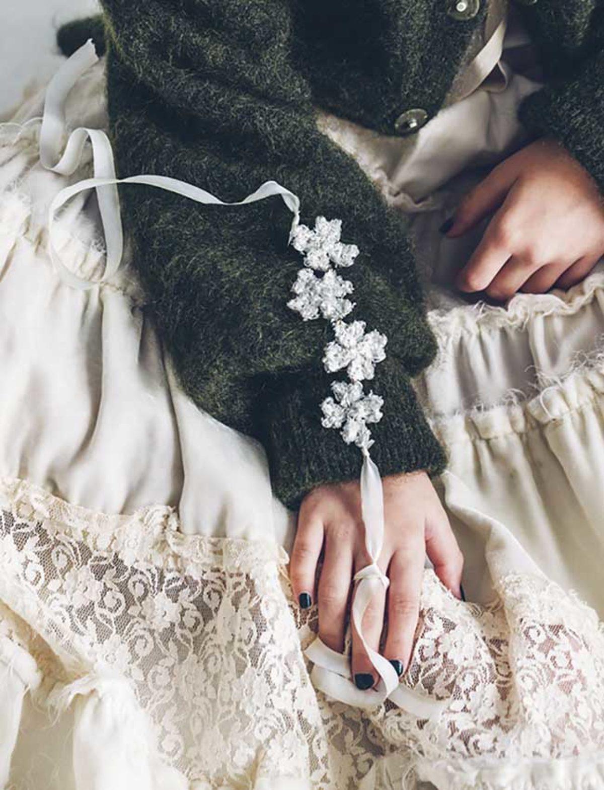 Bijoux-crochetes-fil-metallique-bracelet
